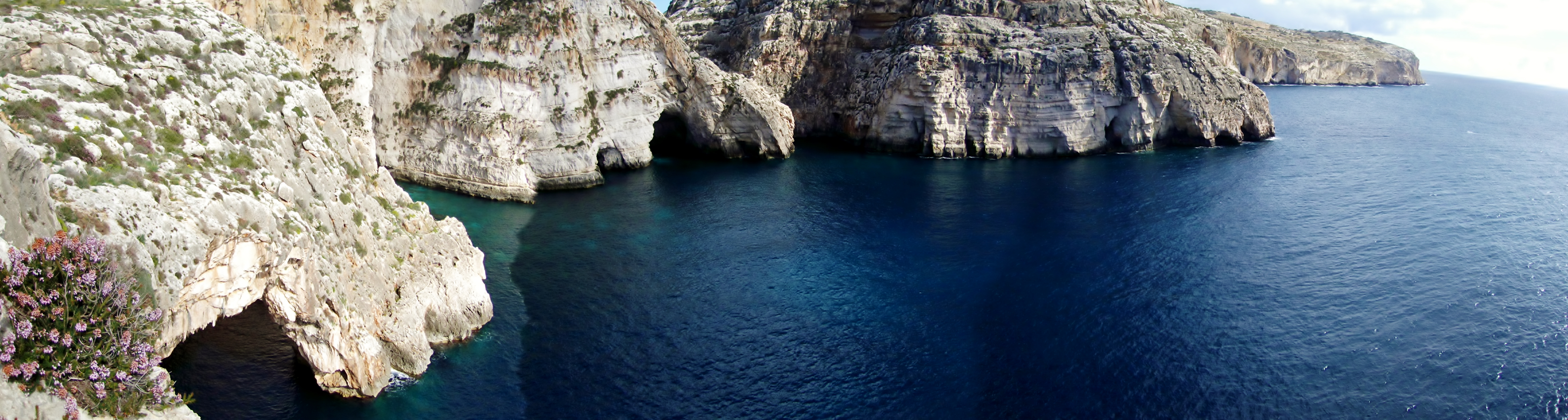 Blue_Grotto_Panoramic_View.JPG