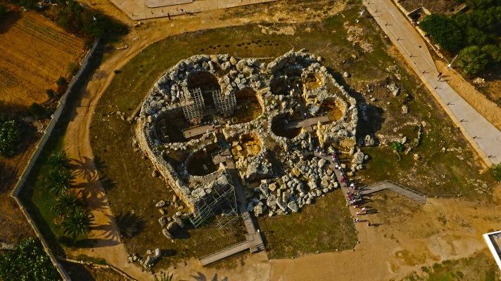 Ggantija_Temple_Aerial_View_6.JPG
