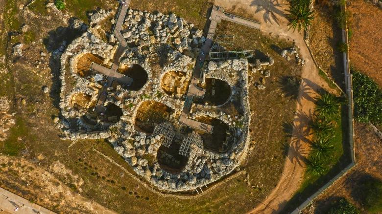 Ggantija_Temple_Aerial_View_8.JPG