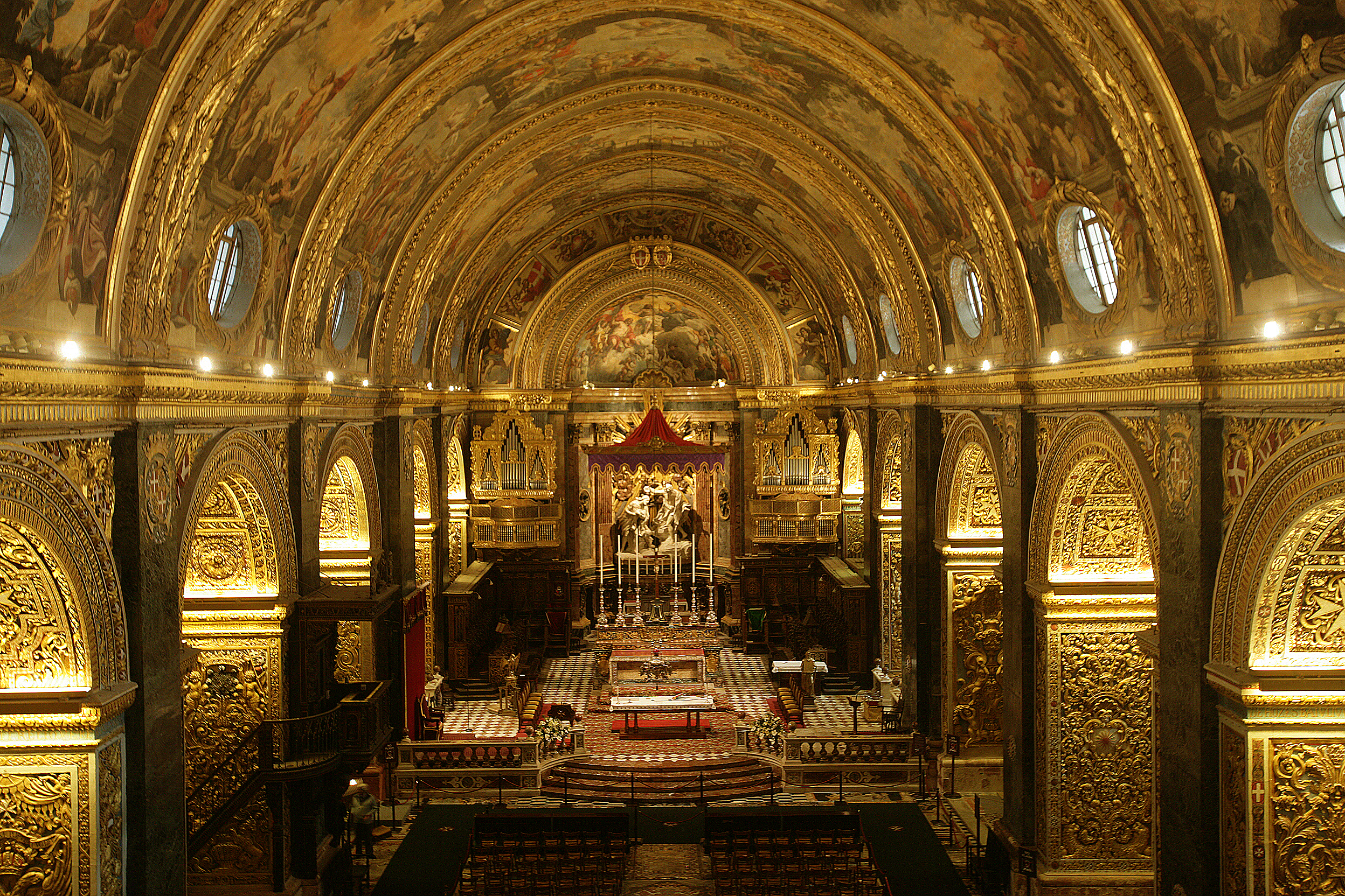 St_Johns_Co_Cathedral_Interior_15.JPG