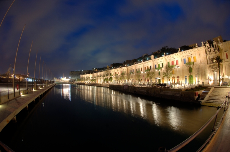 Valletta_Waterfront.jpg