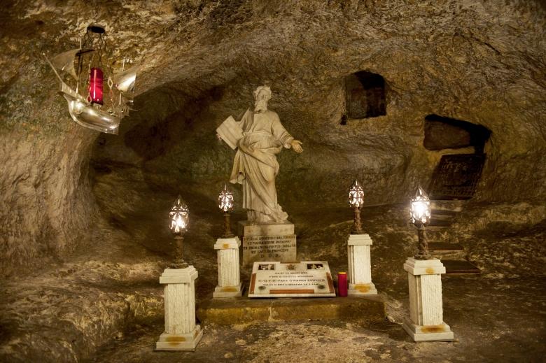 Wignacourt_Museum__St_Pauls_Grotto.jpg