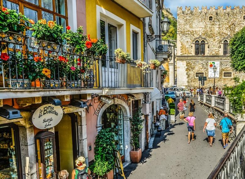 Italy-Taormina-Sicilian-Market-Italian-Sicily-2476286.jpg