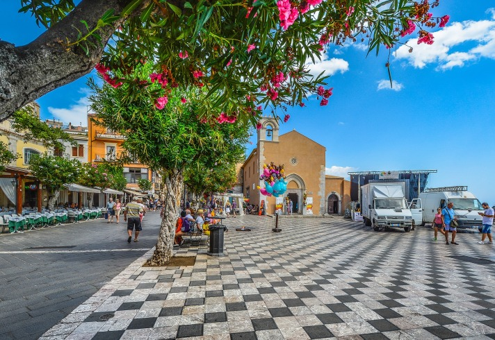 MaxPixel.freegreatpicture.com-Flowers-Piazza-Checkerboard-Taormina-Square-Italy-2059115.jpg